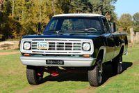 W200 Pick-Up 4x4