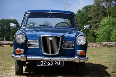 Wolseley 16/60 Sedan