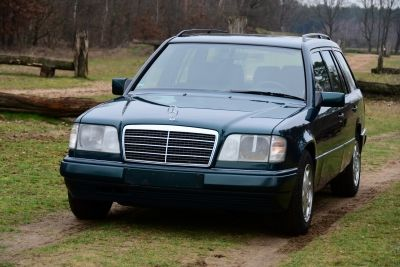 Mercedes-Benz E220 Stationwagon (W124)